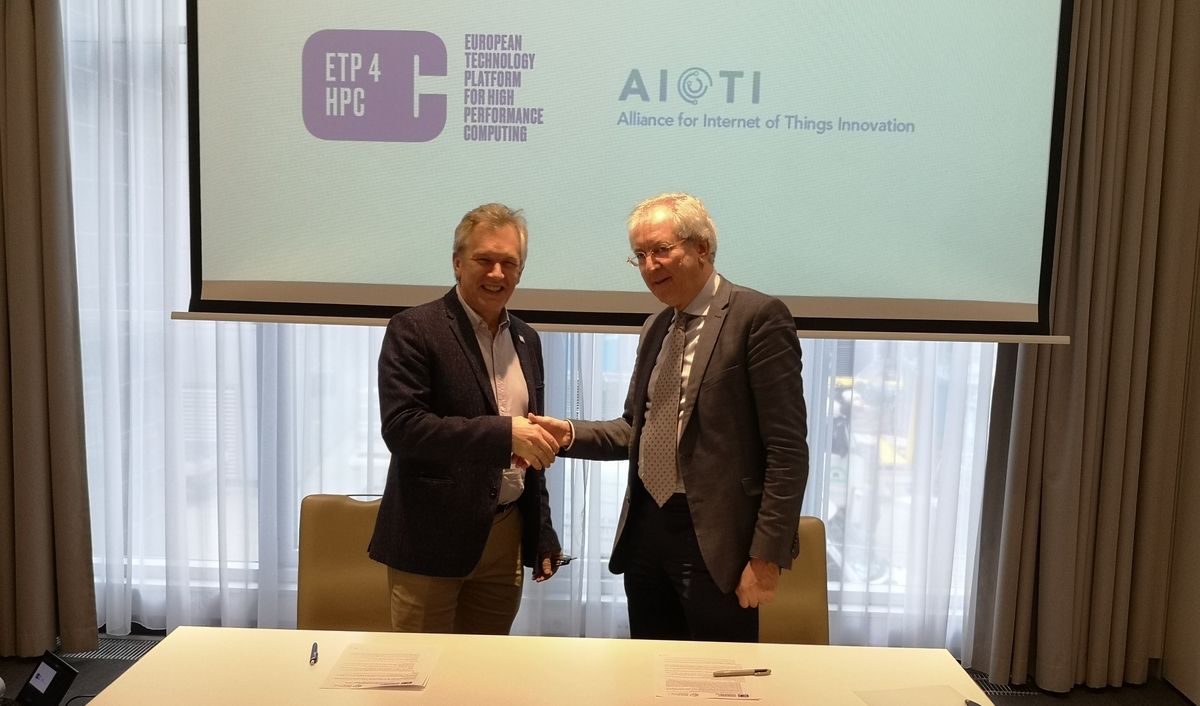 Signing an MoU with AIOTI